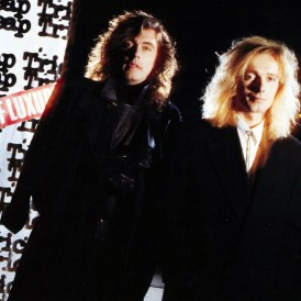 LAP OF LUXURY /CHEAP TRICK test